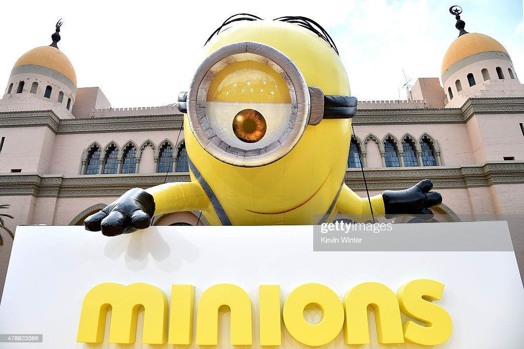 "Premiere Of Universal Pictures And Illumination Entertainment's ""Minions"" - Red Carpet : News Photo"