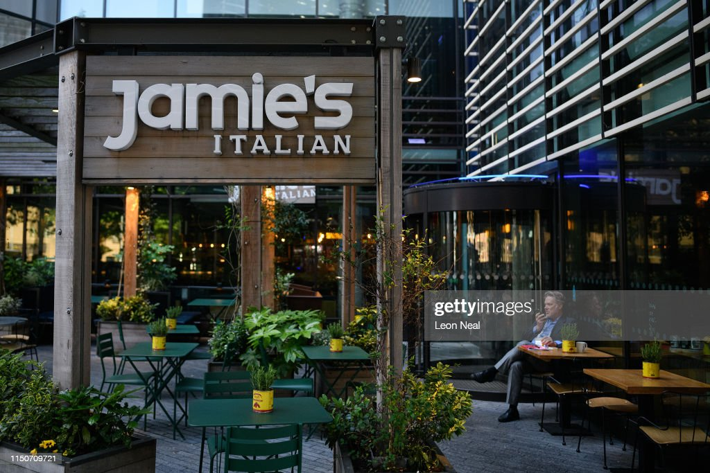GBR: Jamie Oliver Restaurant Chains Face Collapse