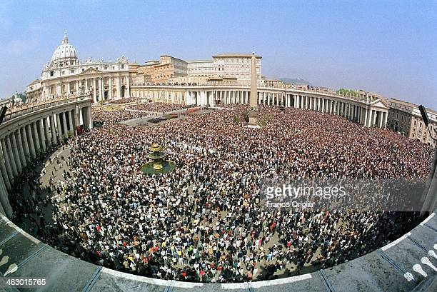 A general view of a crowded St Peter's Square as Pope John Paul II celebrates Easter Mass on April 23 2000 in Vatican City Vatican