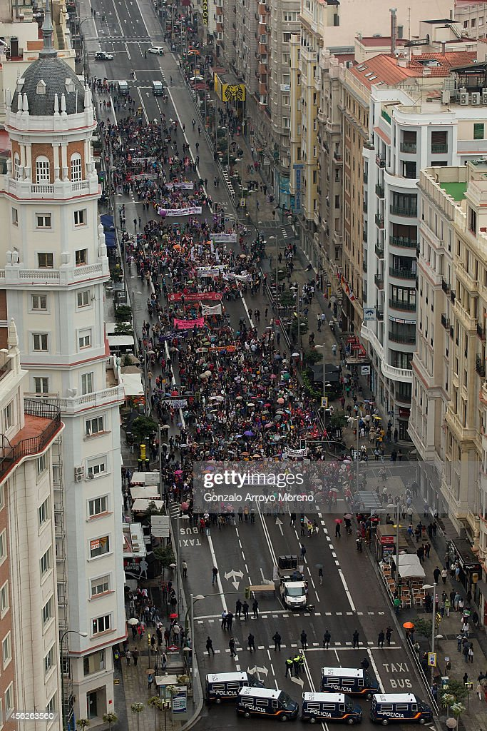 General view of a demonstration supporting reproductive rights for women crossing Gran Via street on September 28, 2014 in Madrid, Spain. During an international day supporting the decriminalization of abortion, thousands of people have celebrated the Spanish government's new abortion law withdrawal and the resignation of Justice Minister Alberto Ruiz-Gallardon. The protesters are also against Spanish government intentions to restrict the reproductive rights of female teenagers.