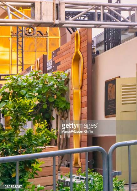 General view of a gold-lined Oscar cutout adorning the North Patio at Union Station for the 93rd Annual Academy Awards, which has encompassed all of...