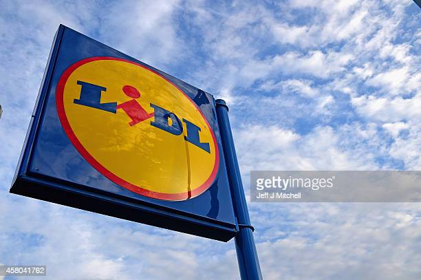 A general view of a Lidl supermarket on October 29 2014 in GlasgowScotland Discount stores continue to increase their popularity as Britains biggest...