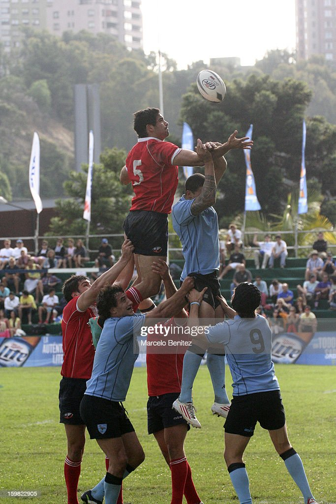 General view of a line in the game Chile v Uruguay during the International Seven Tournament Viña del Mar 2013 on January 20, 2013 in Viña del Mar, Chile.