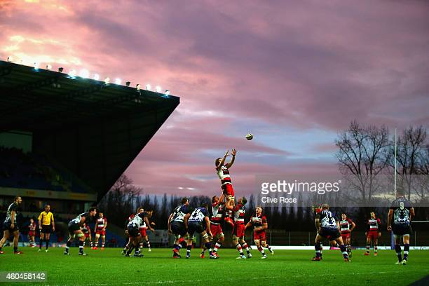 A general view of a line out during the European Rugby Challenge Cup match between London Welsh and Edinburgh Rugby at Kassam Stadium on December 14...
