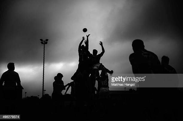 General view of a lineout during the Bundesliga South-West match between RG Heidelberg and RK Heusenstamm at Fritz-Grunebaum-Sportpark on November 1,...