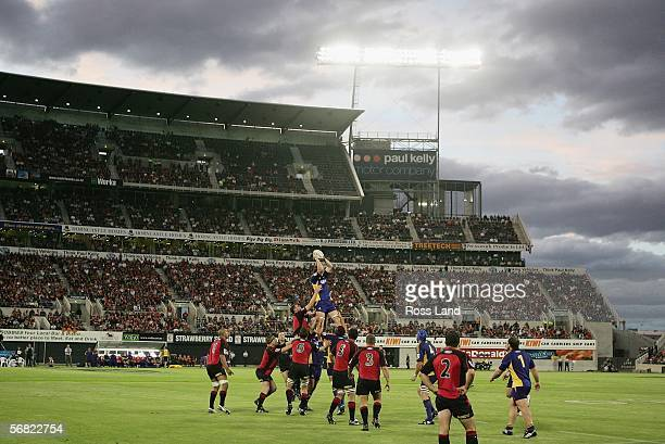 A general view of a lineout during the Rd 1 Super 14 rugby match between the Crusaders and the Highlanders at Jade Stadium February 11 2006 in...