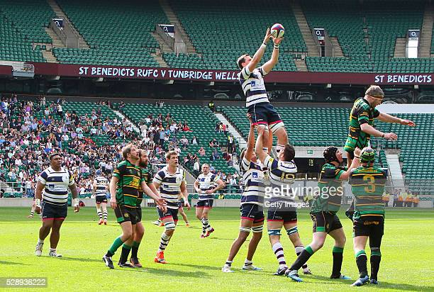 A general view of a lineout during the RFU Intermediate Cup Final between St Benedicts RUFC and Tunbridge Wells RFC at Twickenham Stadium on May 7...