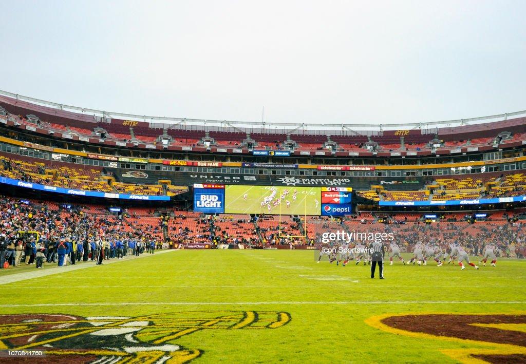 NFL: DEC 09 Giants at Redskins : News Photo