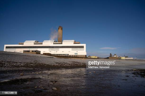 General view of Aberthaw coal-fired power station at Limpert Bay, near the villages of Gileston and West Aberthawon on August 4, 2019 in the Vale of...