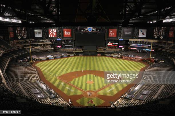 General view of action between the Los Angeles Dodgers and the Arizona Diamondbacks during the fifth inning of the MLB game at Chase Field on July...