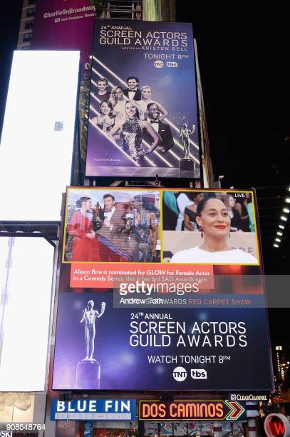 A general view of actors Alison Brie and Tracy Ellis Ross during the 24th Annual Screen Actors Guild Awards preshow viewing in Times Square on...