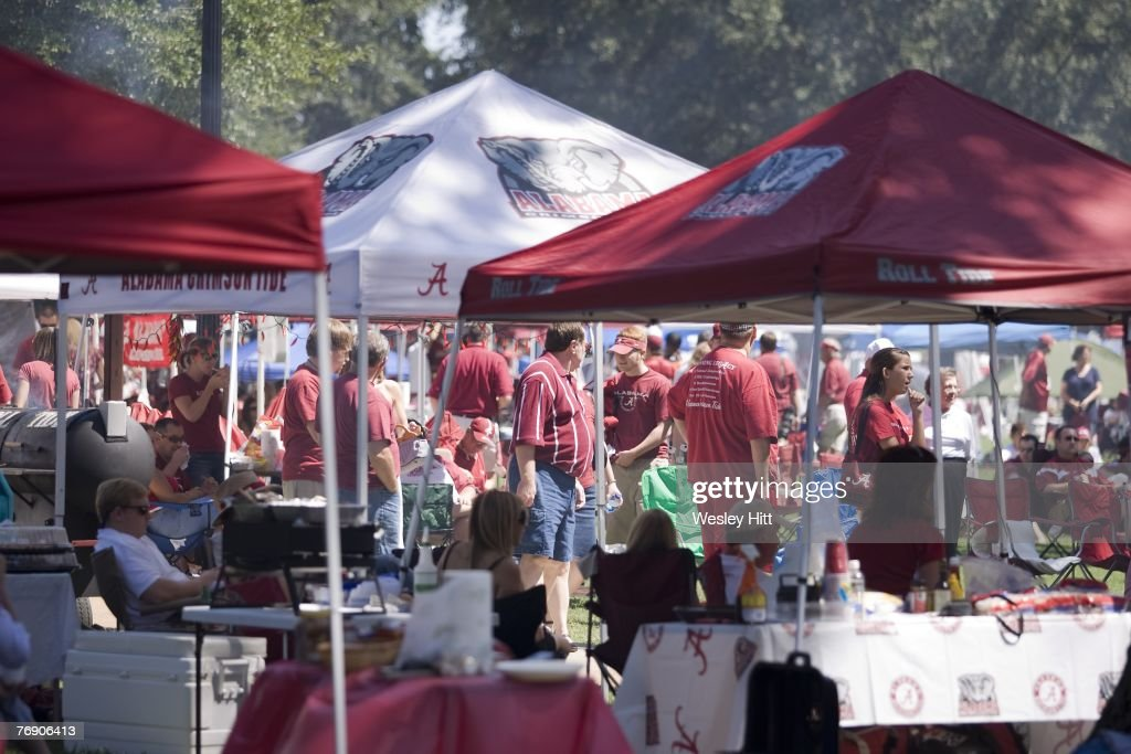 Arkansas v Alabama : News Photo