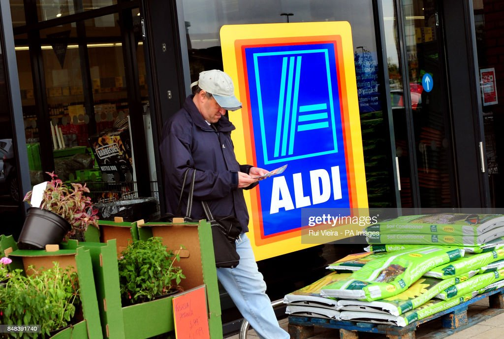 Supermarket stock : News Photo