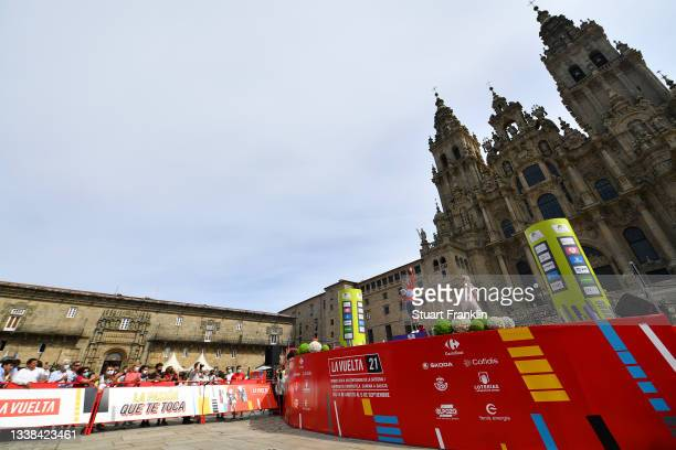 General view of Annemiek Van Vleuten of Netherlands and Movistar Team celebrates winning the red leader jersey on the podium ceremony in the Plaza...