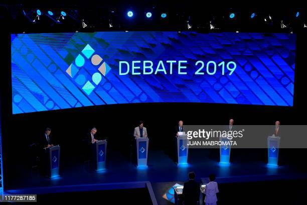 General view of Argentinian President and presidential candidate for the Juntos por el Cambio party Mauricio Macri the presidential candidate for the...