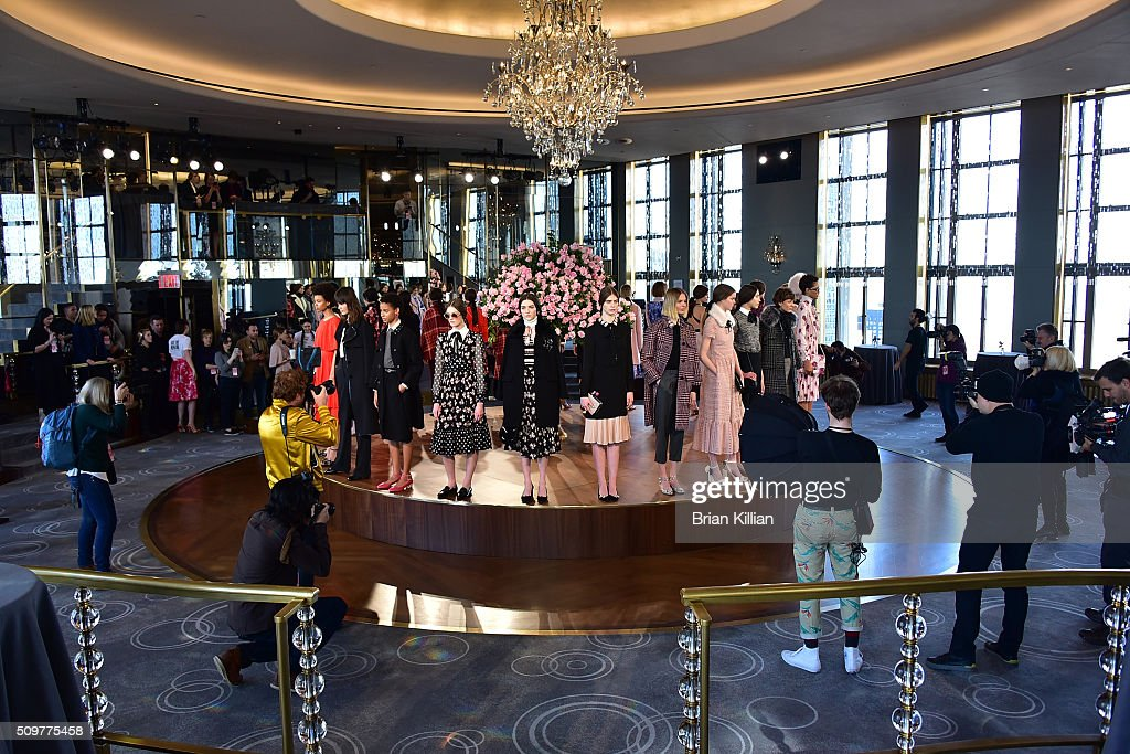 Kate Spade New York - Presentation - Fall 2016 New York Fashion Week : News Photo