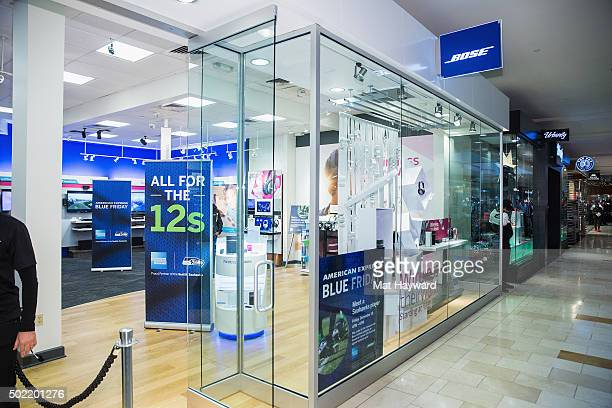 32 american express blue friday with bose photos and premium high res pictures getty images https www gettyimages com photos american express blue friday with bose