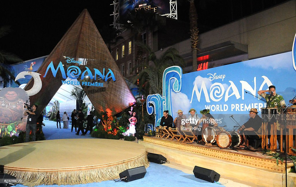 "AFI FEST 2016 Presented By Audi - Premiere Of Disney's ""Moana"" - Arrivals : News Photo"