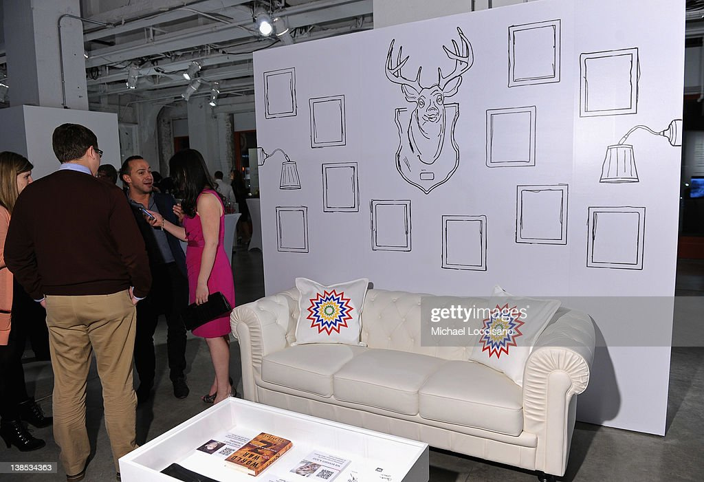 eBay Celebrity And Brad Pitt's Make It Right Celebrate Pop-Up Gallery Exhibition At New York's Chelsea Market : News Photo
