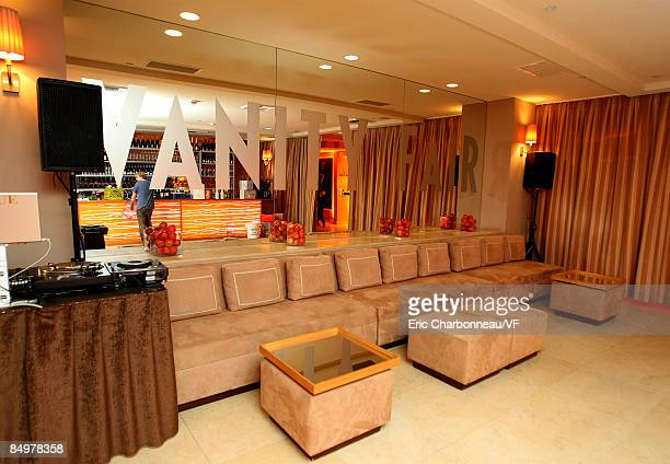 A general view of atmosphere at the 2009 Vanity Fair Oscar party hosted by Graydon Carter at the Sunset Tower Hotel on February 22 2009 in West...