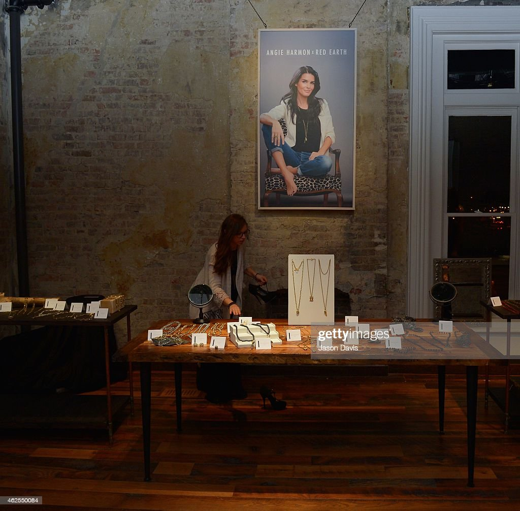 Angie Harmon x Red Earth Jewelry Preview Event In Nashville : News Photo
