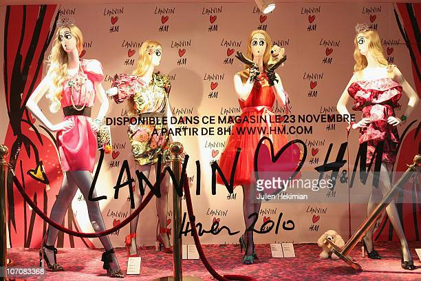 General view of atmosphere at the Lanvin H&M Collection Launch at H&M on November 23, 2010 in Paris, France.