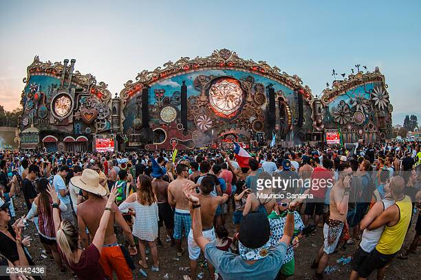 A general view of atmosphere at the Main Stage during the second day of the Tomorrowland music festival at Parque Maeda Itu on April 22 2016 in Sao...