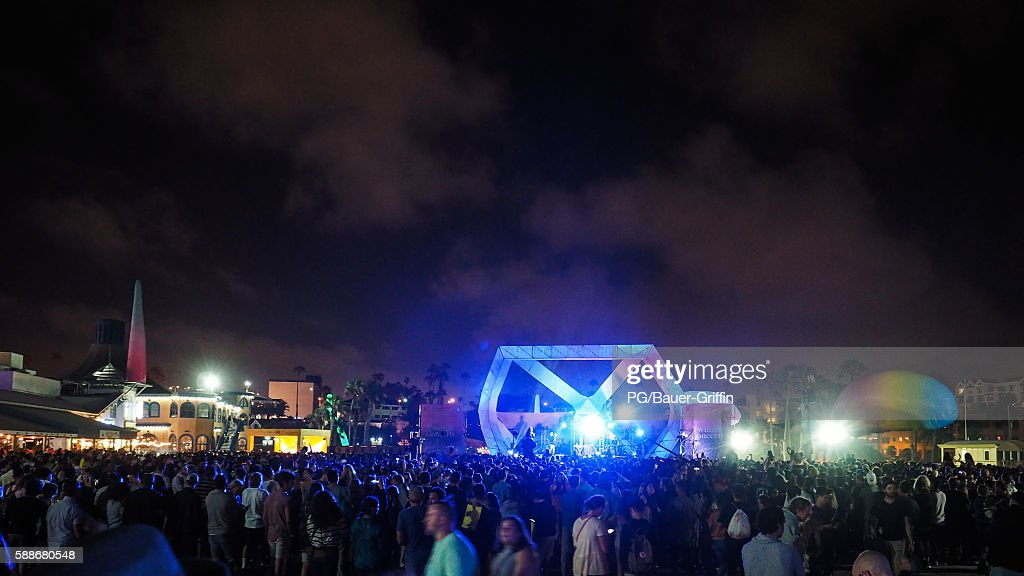A general view of atmosphere at the Rufus du Sol concert on the Santa Monica Pier on August 11, 2016 in Los Angeles, California.