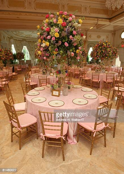 RATES General view of atmosphere at the wedding of Ivana Trump and Rossano Rubicondi at the MaraLago Club on April 12 2008 in Palm Beach Florida Cake...