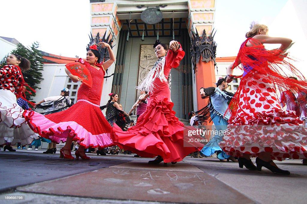 """Kumpania Los Angeles"" Flamenco Flash Mob At TCL Chinese Theatre : News Photo"