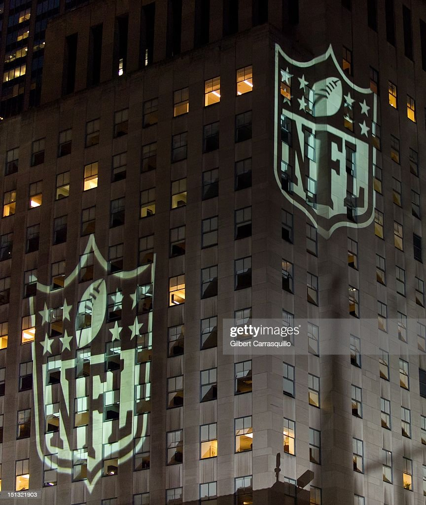 A general view of atmosphere during the 2012 NFL Kick-Off Concert in Rockefeller Center on September 5, 2012 in New York City.