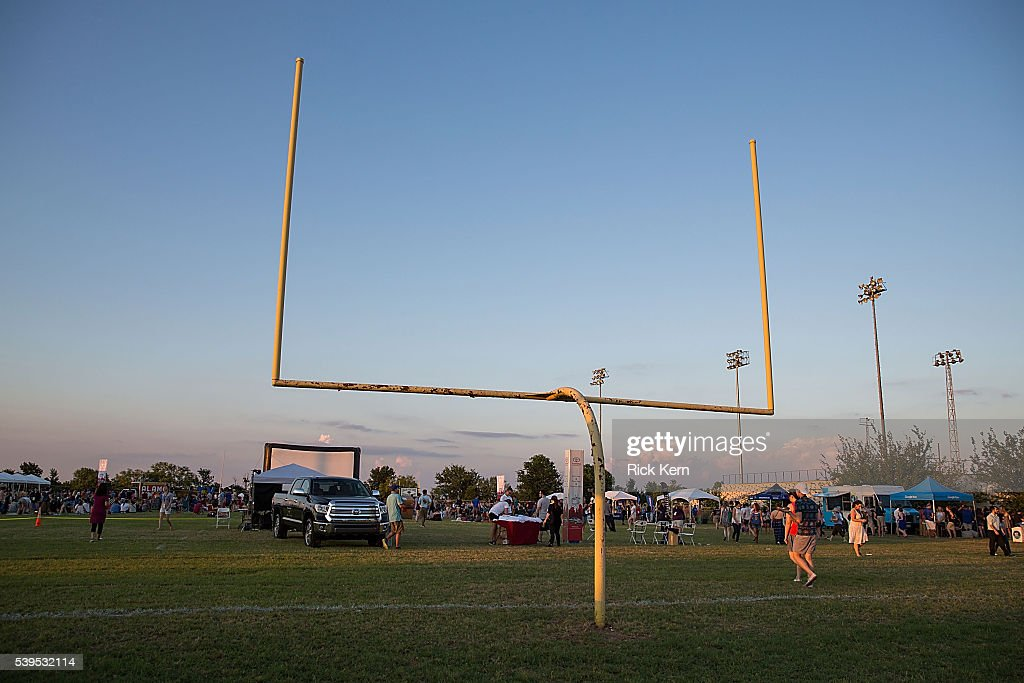 """The """"Friday Night Lights"""" Tailgate And Pep Rally Reunion At The ATX Television Festival : News Photo"""