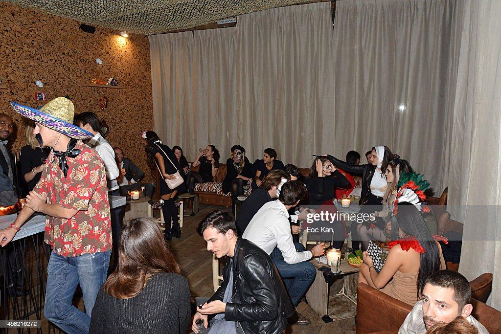 Mezcaleria Clandestino Bar Opening Halloween Party In Paris Photos ...