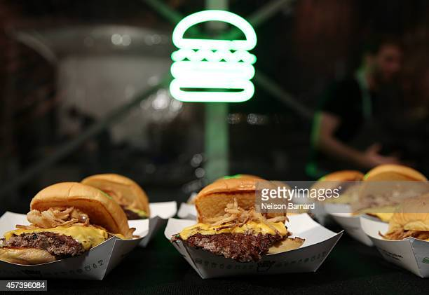 General view of atmosphere of the Shake Shack station at the Blue Moon Burger Bash presented by Pat LaFrieda Meats hosted by Rachael Ray during the...