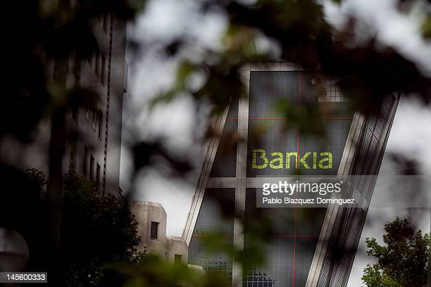A general view of Bankia's building Kio Tower in Plaza Castilla on June 2 2012 in Madrid Spain People gathered to demonstrate against the Spanish...