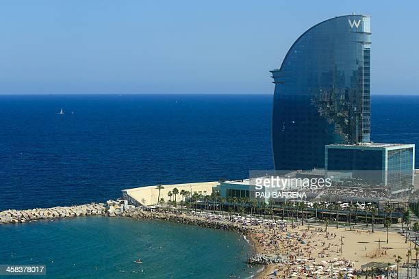 General view of Barceloneta's beach in Barcelona on July 2, 2016. / AFP / PAU BARRENA