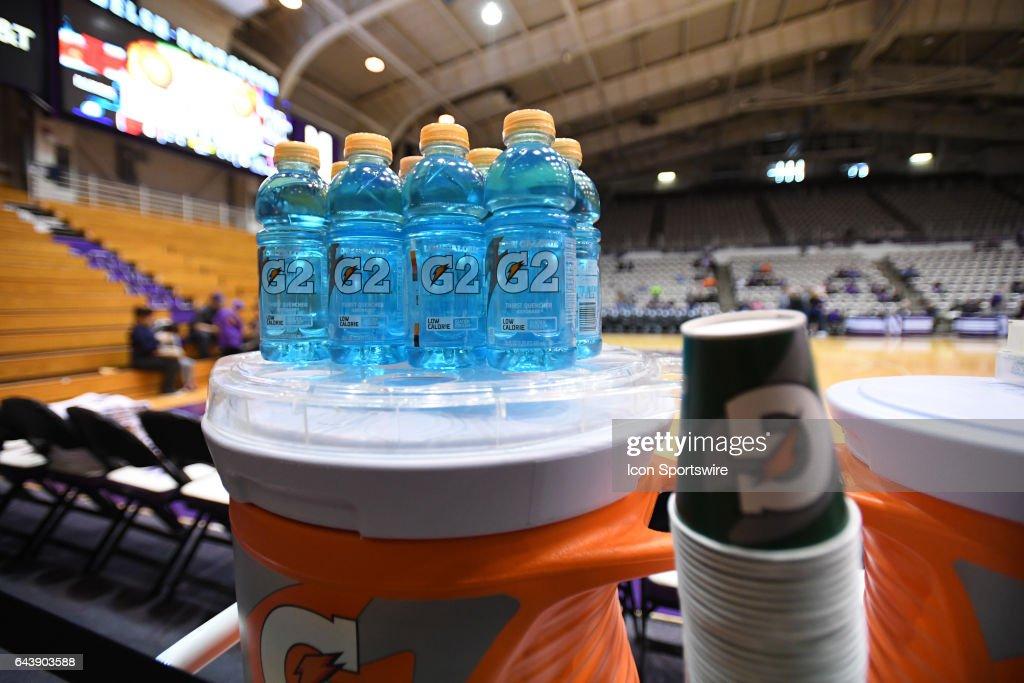 COLLEGE BASKETBALL: FEB 19 Women's - Illinois at Northwestern : News Photo