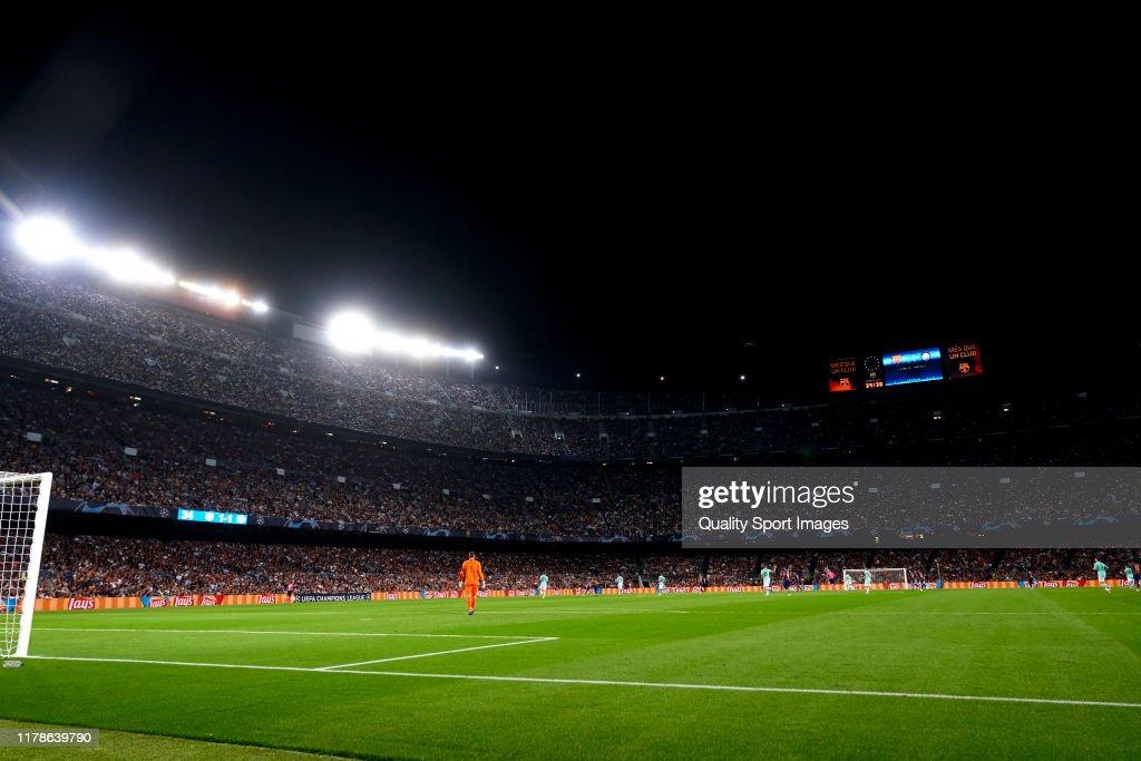 FC Barcelona v FC Internazionale: Group F - UEFA Champions League : News Photo