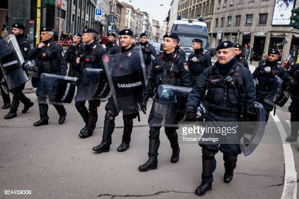 A general view of Carabinieri at Piazza Duomo on February 24 2018 in Milan Italy Lega Nord far right party leader Matteo Salvini met his supporters a...