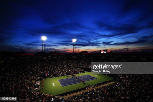 General view of Centre Court as Simona Halep of Romania plays Magdalena Rybarikova of Slovakia during Day 5 of the Rogers Cup at Aviva Centre on...