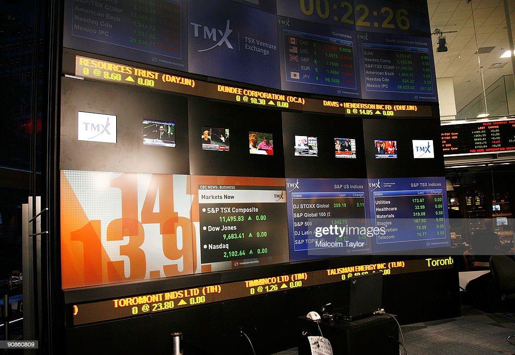 Piers Handling & Cameron Baily Open The Toronto Stock Exchange : News Photo