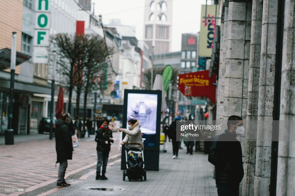 Daily Life In Gelsenkirchen As Covid-19 Lockdown Continues : ニュース写真