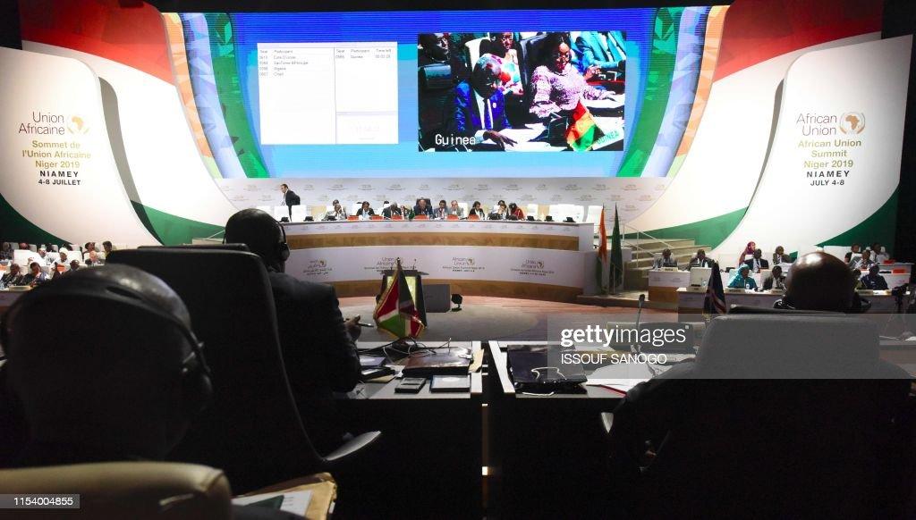 NIGER-POLITICS-DIPLOMACY-AU-SUMMIT-TRADE : News Photo