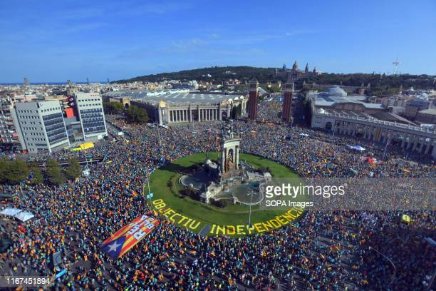 General view of crowds in Spain Square during the demonstration. According to the local police around 600,000 people took to the streets of Barcelona...