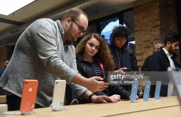 General view of customers at the Apple Covent Garden reopening and iPhone XR launch at Apple store Covent Garden on October 26 2018 in London England