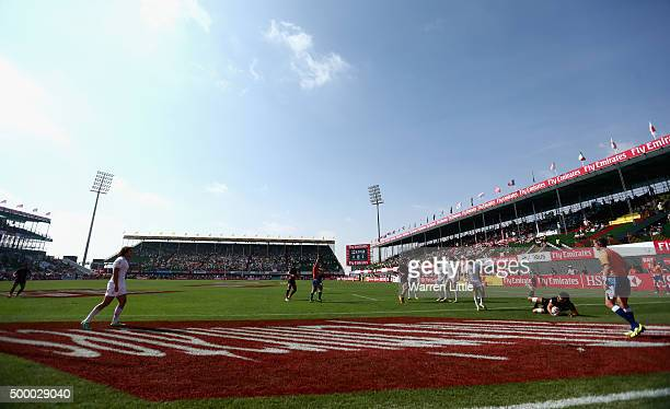 A general view of England agaionst Argentina in the Cup quarter final match during the Emirates Dubai Rugby Sevens HSBC World Rugby Sevens Series at...