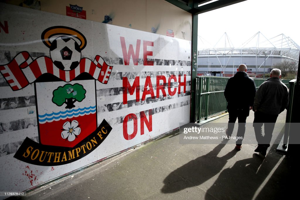 Southampton v Tottenham Hotspur - Premier League - St Mary's Stadium : News Photo
