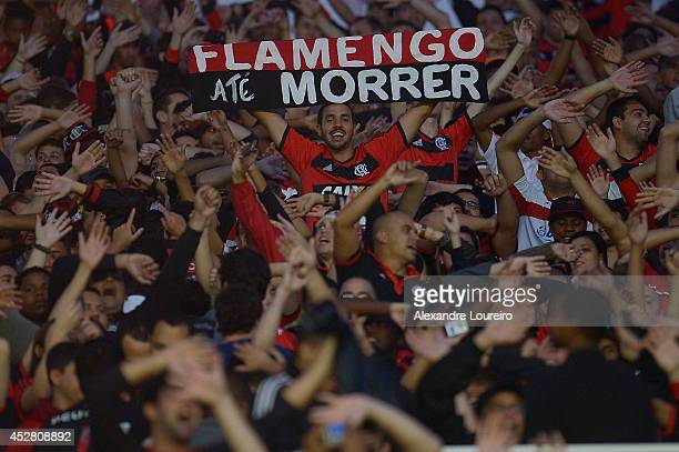 A general view of fans of Flamengo during the match between Flamengo and Botafogo as part of Brasileirao Series A 2014 at Maracana stadium on July 27...
