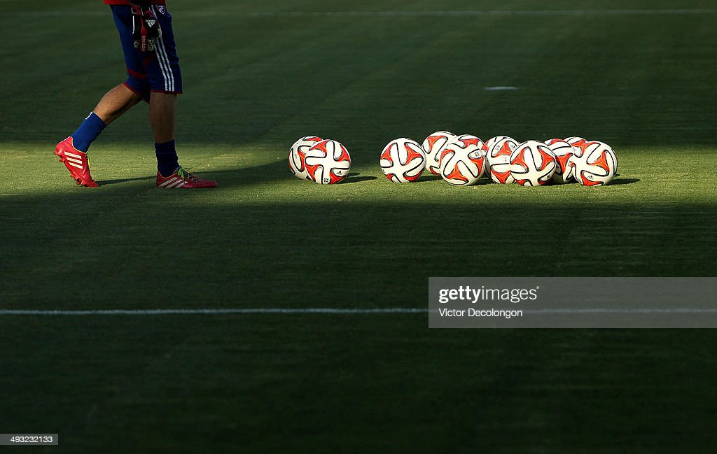 A general view of FC Dallas goalkeeper warm-up prior to the MLS match against the Los Angeles Galaxy at StubHub Center on May 21, 2014 in Los Angeles, California. The Galaxy defeated FC Dallas 2-1.
