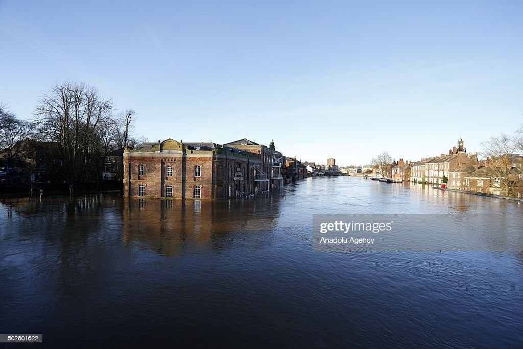 Flooding causes mass evacuations in England : News Photo